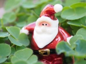 クリスマスで京都のデートスポットを教えるサンタさん