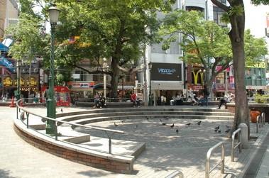 大阪の高校生の定番デートスポットアメリカ村三角公園