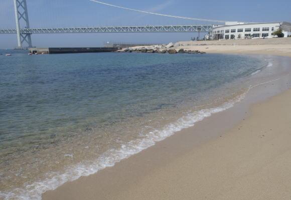 海開きが楽しみな関西で人気の海水浴場であるアジュール舞子海水浴場