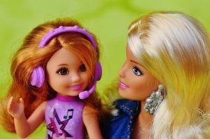 ママ友をイメージしたバービー人形