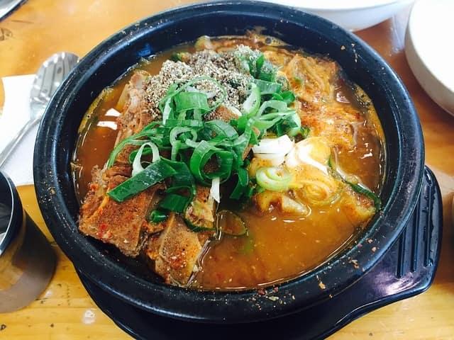 韓国飯のカムジャタン
